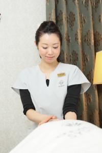 エンビロン京都取扱い代理店 ネイルサロンROUN'~ラウン~ エンビロンは、ビタミンAで肌本来が持つ働きを高め、美しくするスキンケアシステムです。